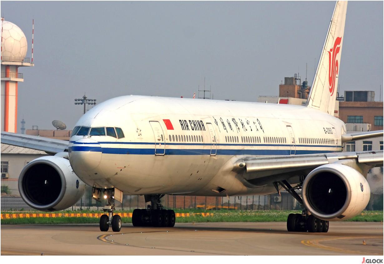 Re:[原创]【 ♠ J 】 【SHA】 藏了 120天的照片  回味虹桥18头带来的震撼距离 !! BOEING 777-200 B-2063 中国上海虹桥机场