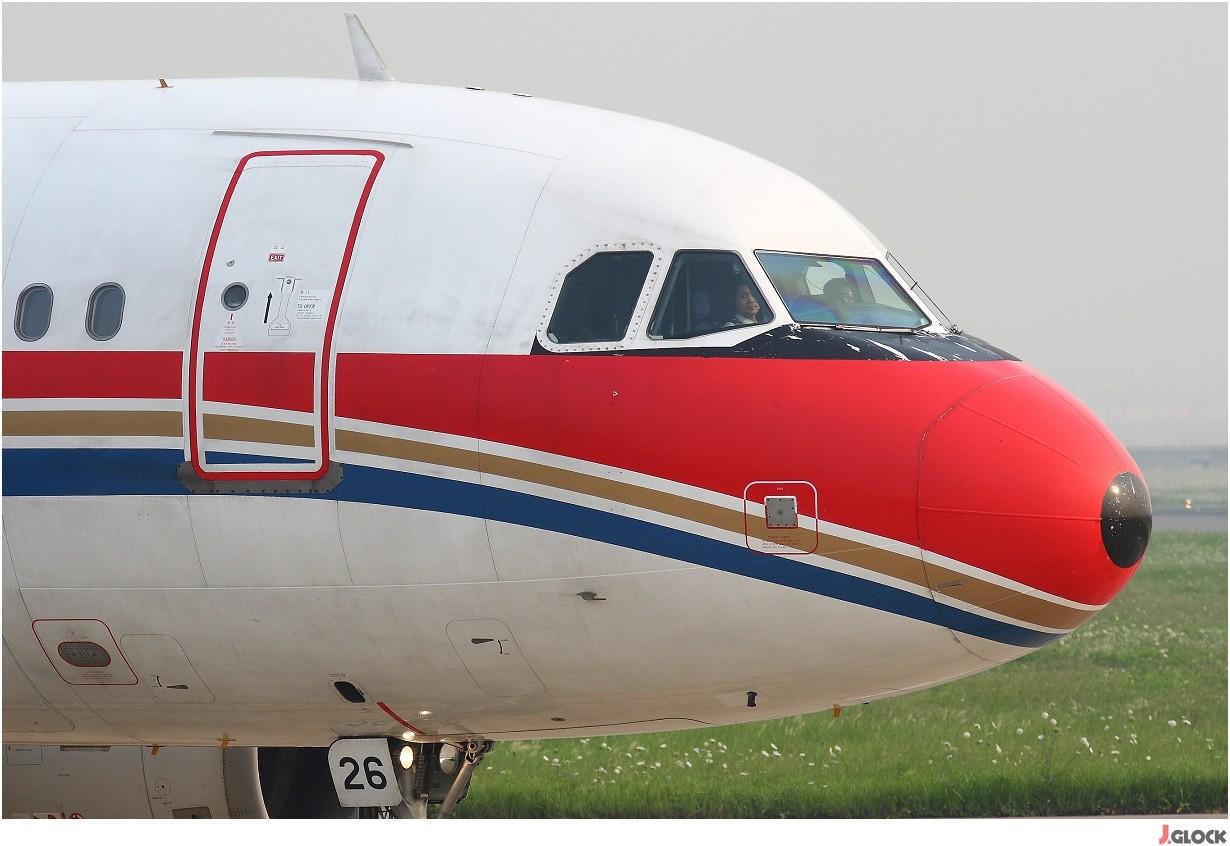 Re:[原创]【 ♠ J 】 【SHA】 藏了 120天的照片  回味虹桥18头带来的震撼距离 !! AIRBUS A319-112 B-2226 中国上海虹桥机场