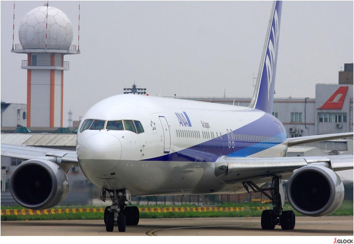 Re:[原创]【 ♠ J 】 【SHA】 藏了 120天的照片  回味虹桥18头带来的震撼距离 !! BOEING 767-300 JA613A 中国上海虹桥机场