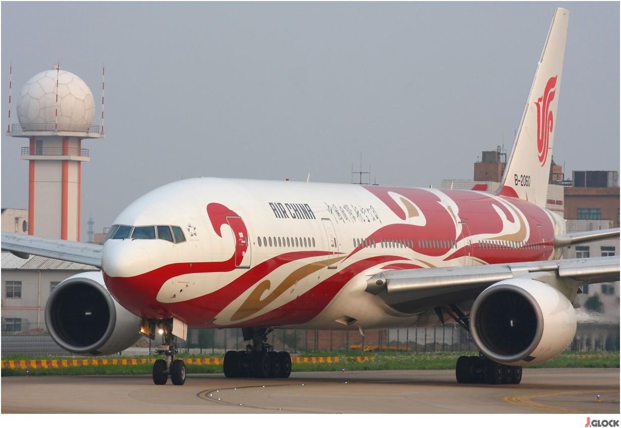 Re:[原创]【 ♠ J 】 【SHA】 藏了 120天的照片  回味虹桥18头带来的震撼距离 !! BOEING 777-200 B-2060 中国上海虹桥机场
