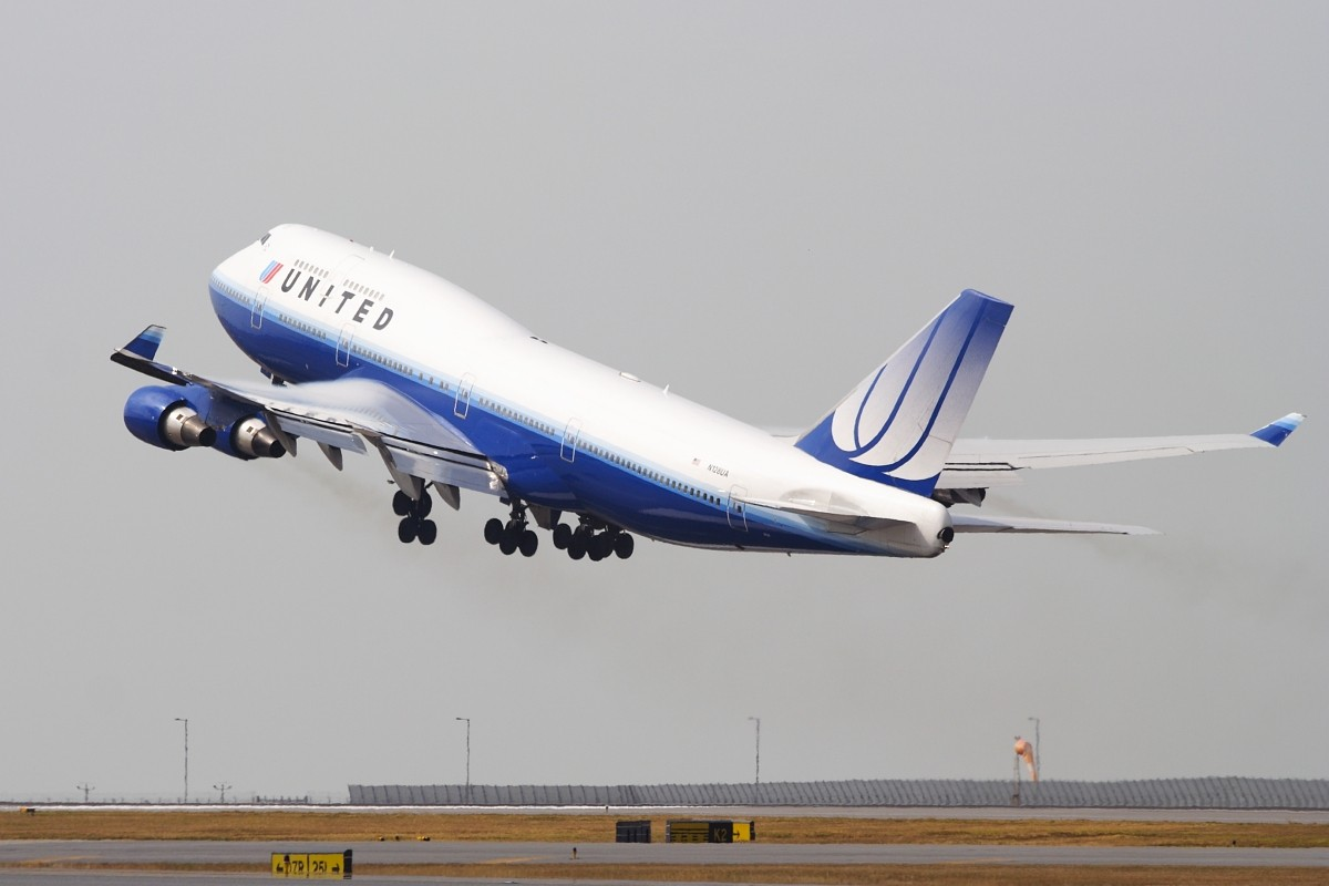 Re:[原创]香港政府飛行服務隊的開放日, 顯然我沒有理會到主人家 BOEING 747-422 N128UA 中国香港赤鱲角国际机场