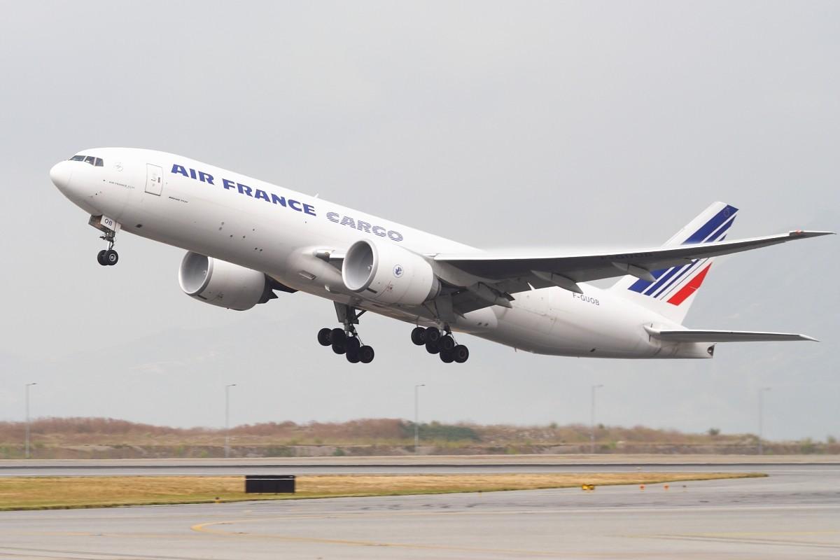 Re:[原创]香港政府飛行服務隊的開放日, 顯然我沒有理會到主人家 BOEING 777-F28 F-GUOB 中国香港赤鱲角国际机场