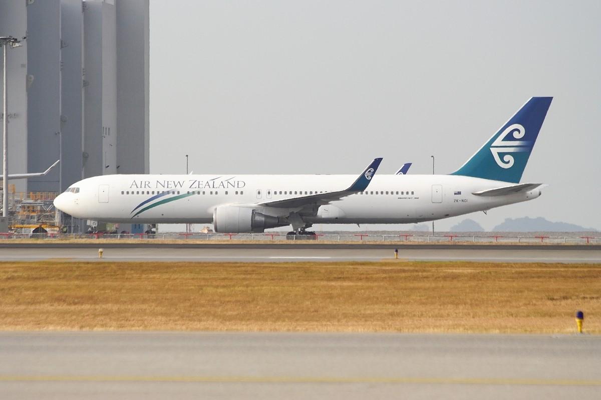 Re:[原创]香港政府飛行服務隊的開放日, 顯然我沒有理會到主人家 BOEING 767-319ER ZK-NCI 中国香港赤鱲角国际机场