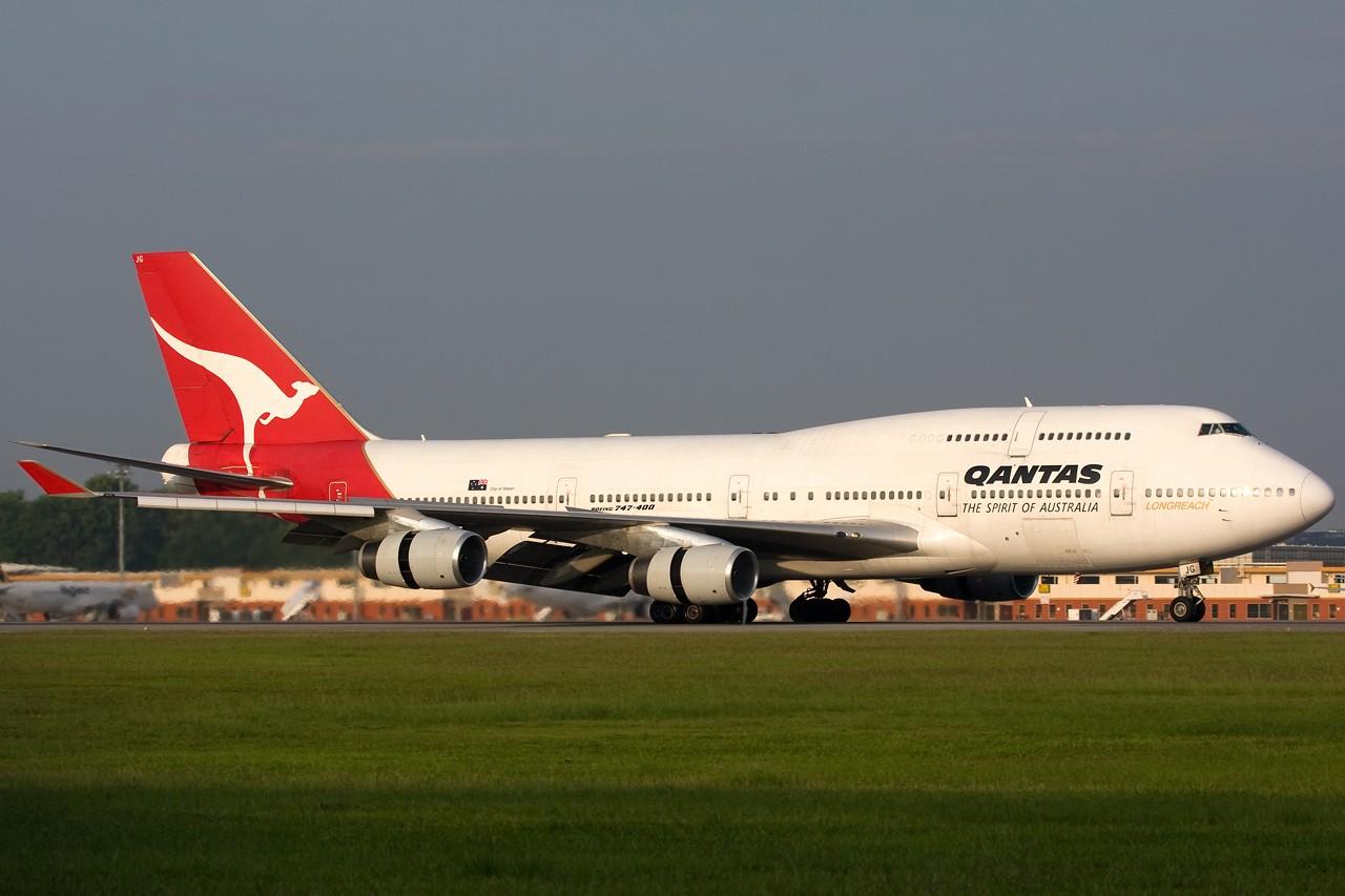 "Re:[原创]打造2009年本人单帖飞机照片数量最高贴并祝""上海飞友会""20号浦东机场拍机顺利 BOEING B747-400 VH-OJG 新加坡樟宜机场"