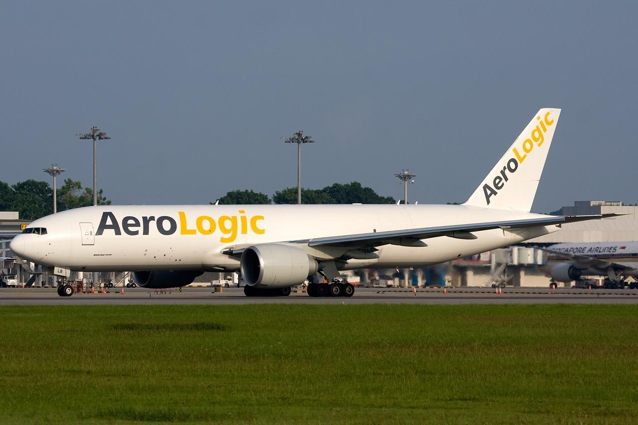 "Re:[原创]打造2009年本人单帖飞机照片数量最高贴并祝""上海飞友会""20号浦东机场拍机顺利 BOEING B777-200LR D-AALB 新加坡樟宜机场"