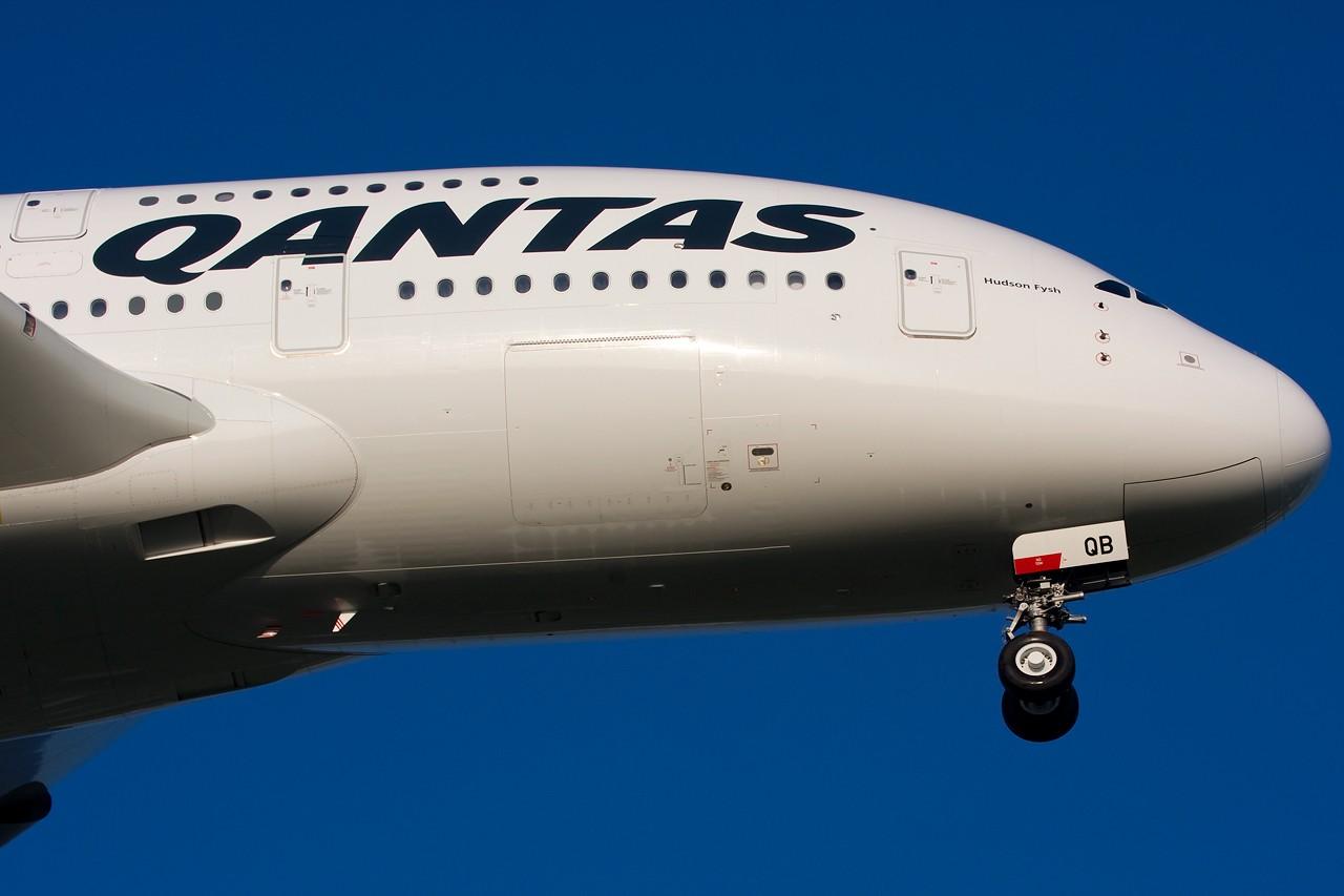 "Re:[原创]打造2009年本人单帖飞机照片数量最高贴并祝""上海飞友会""20号浦东机场拍机顺利 AIRBUS A380 VH-OQB 新加坡樟宜机场"