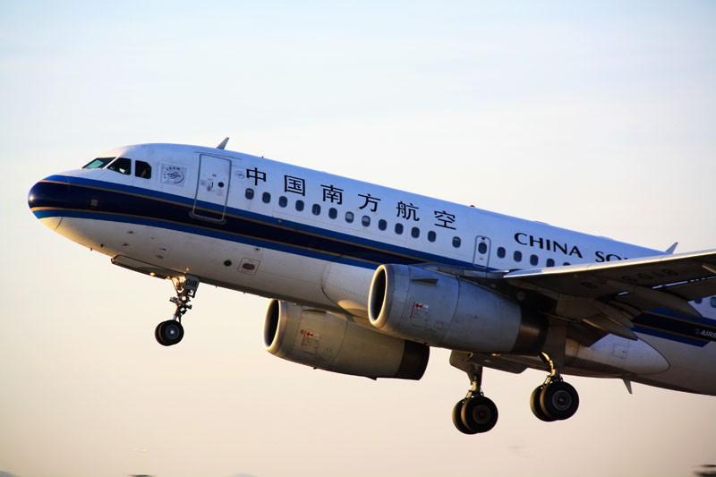 Re:[原创]Hello,Kunming(起飞几张) AIRBUS A320-200 B-6018 昆明机场