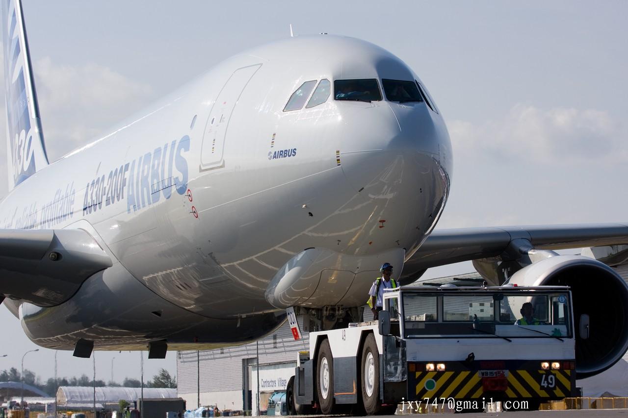 欧美囹�a�9�)x�&V�VF��ww_re:[原创]2010新加坡航空展记者日抢鲜版 airbus a330-200f f-wwye