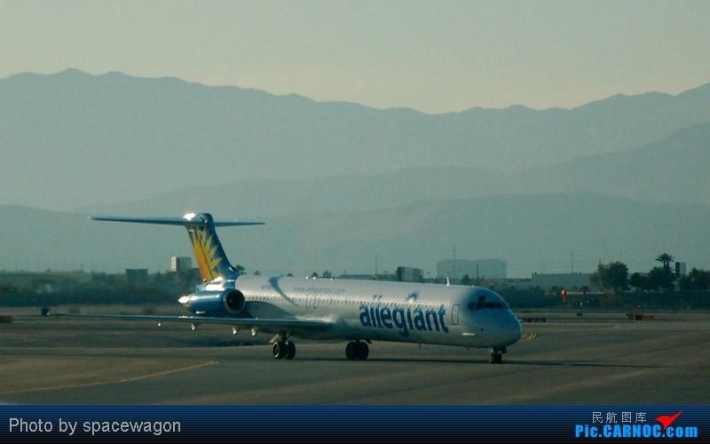 Re:[原创]{瓦罐出品}09圣诞十日疯狂泛美机场游(二):SFO飞行博物馆、LAS以及旧金山漫步 MCDONNELL DOUGLAS MD-80-83  LAS