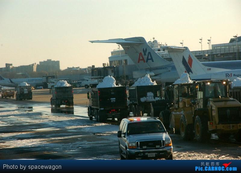 Re:[原创]{瓦罐出品}09圣诞十日疯狂泛美机场游(三):Iron City-ORD-DCA大雪 BOEING 777-300  ORD United States WASHINGTON NATIONAL