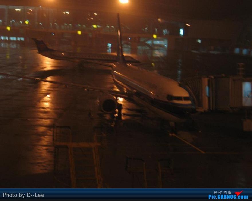 Re:[原创]华东游记之(出发)飞向杭州CAN--HGH远机位之旅 BOEING737-700 B- 中国广州白云机场