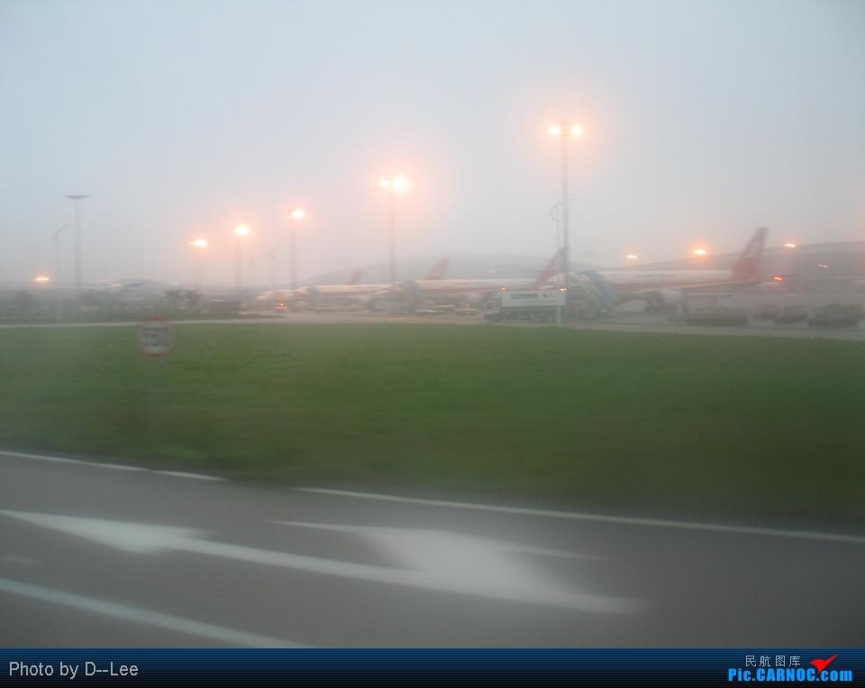 Re:[原创]华东游记之(出发)飞向杭州CAN--HGH远机位之旅 BOEING777-200ER B- 中国广州白云机场 中国广州白云机场