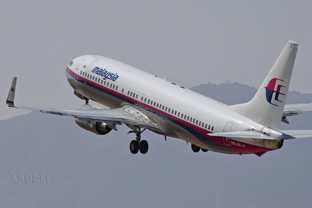 Re:[原创]初一初二上班,休息的间隙去拍了几张,权当慰问自己了,祝飞友们节日快乐! BOEING 737-800 9M-MLA 中国昆明巫家坝机场