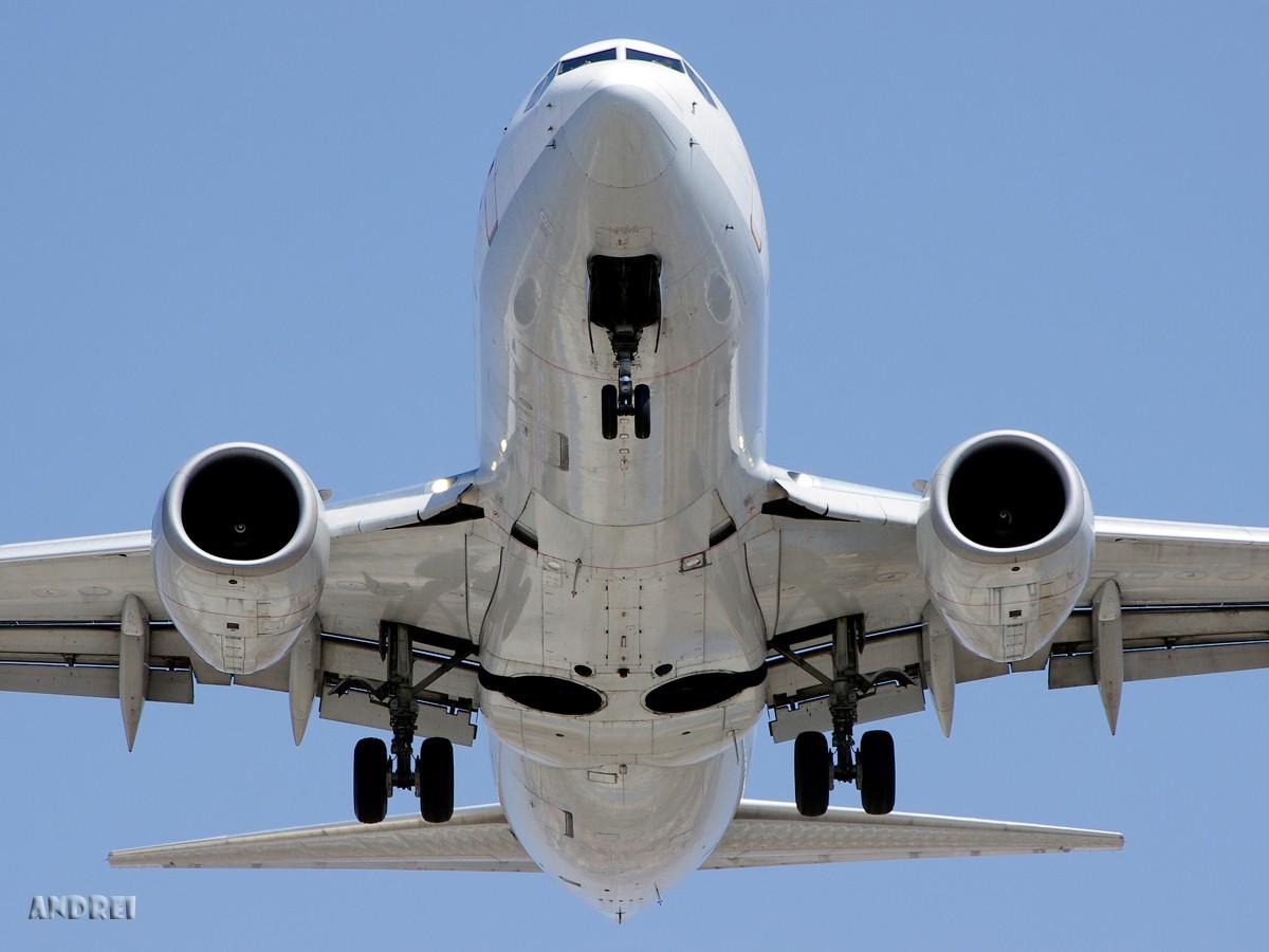 [原创][ANDREI] 一些不常发的角度——A和B的肚皮 BOEING 737-700 B-5060 中国昆明巫家坝机场