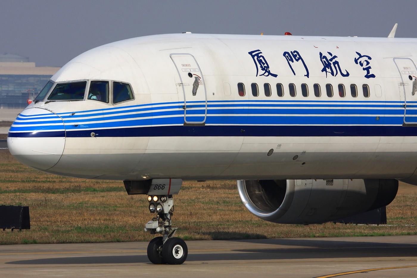 [原创]【 ♠ J 】 旧的不去新的不来 即将消失和已经消失的 虹桥美景! 够大 够粗 够油亮 ! BOEING 757-200 B-2866 中国上海虹桥机场