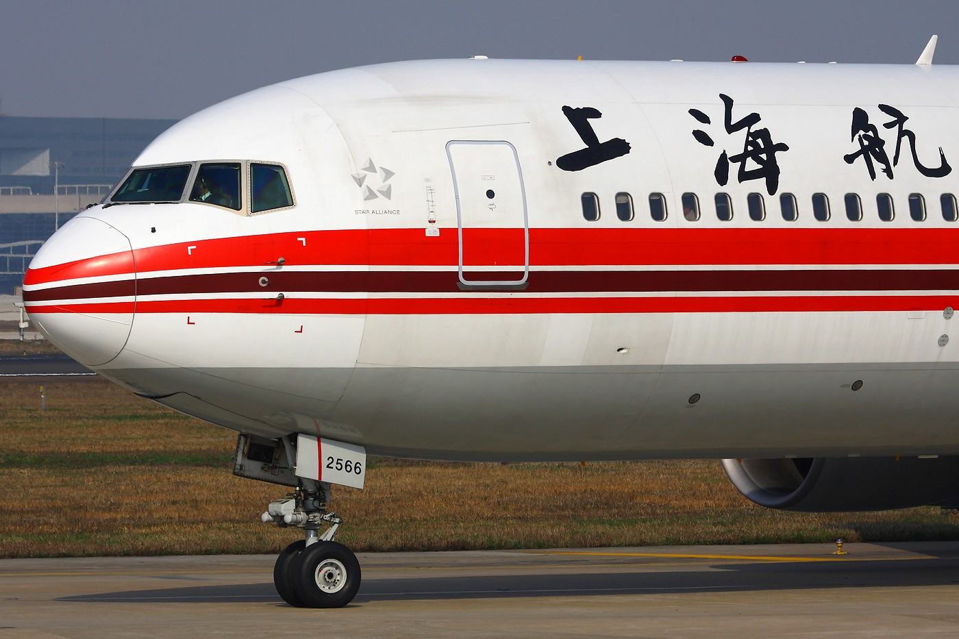 Re:[原创]【 ♠ J 】 旧的不去 新的不来 新跑道启用倒计时 BOEING 767-300 B-2566 中国上海虹桥机场