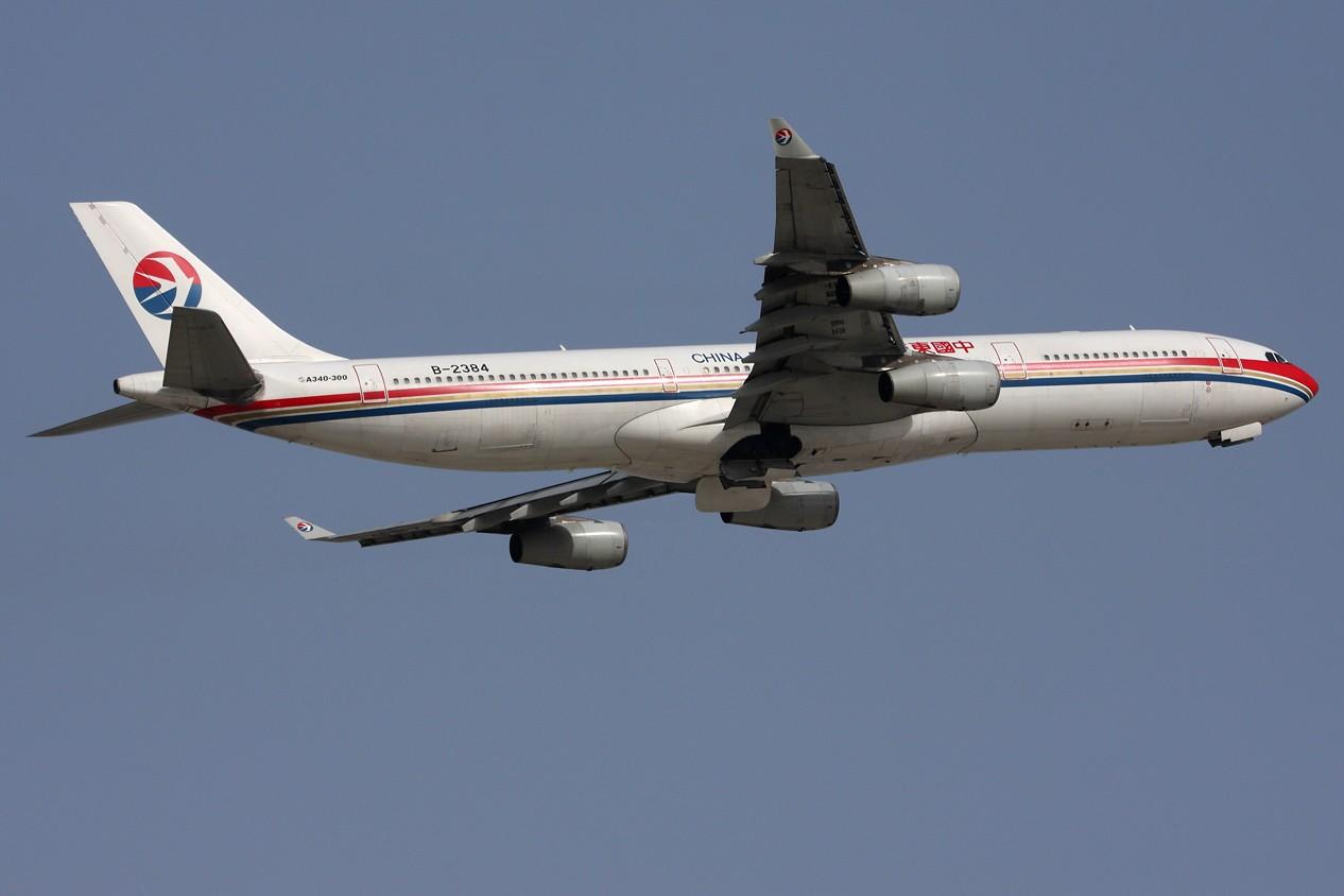 Re:[原创]【 ♠ J 】 SHA 虹桥最新最新角度 有彩绘 又震撼 又清晰 关键是零距离 !!! 直接秒杀那个破鸟笼 AIRBUS A340-313X B-2384 中国上海虹桥机场