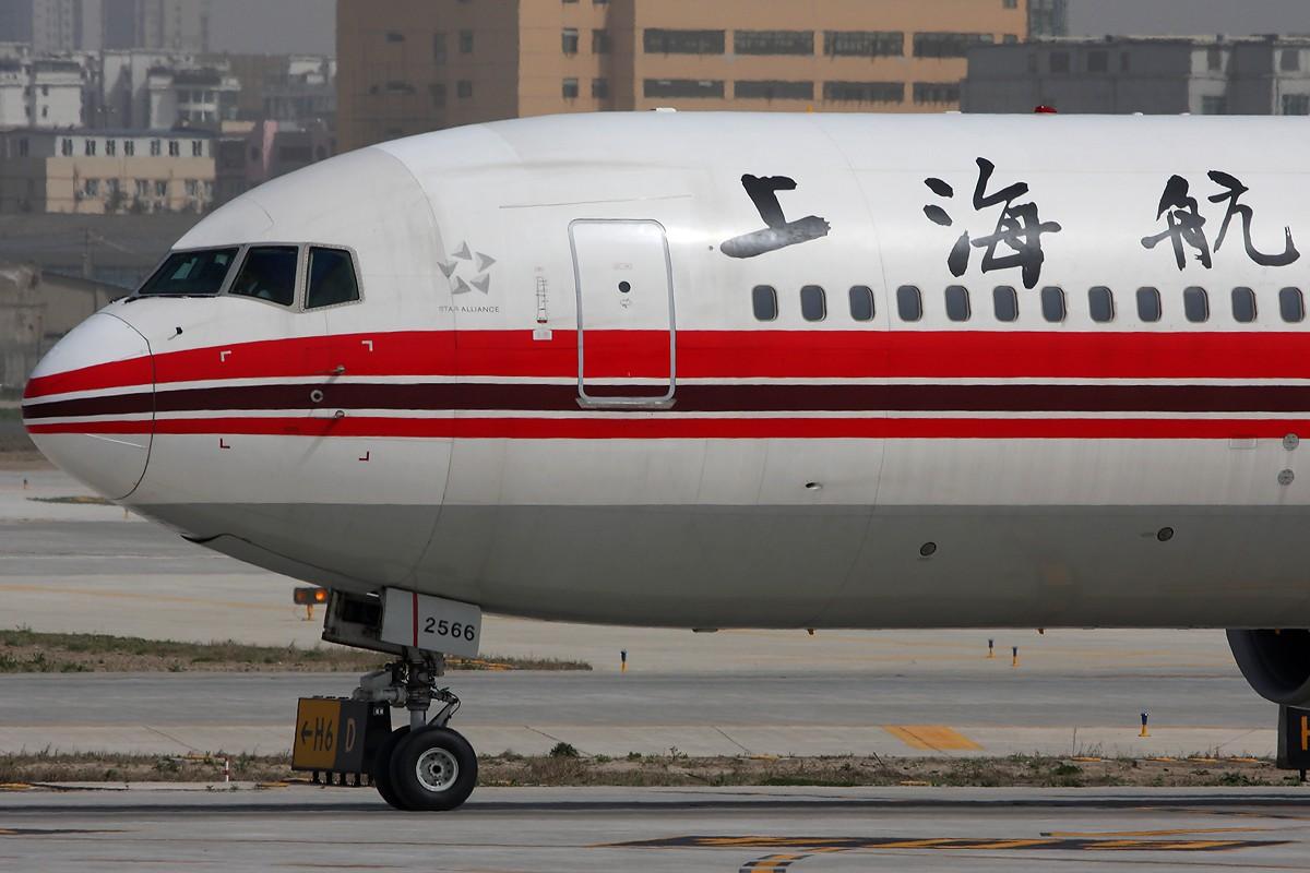 Re:【 ♠ J 】 要炒就炒年夜饭 永远消失的角度位置 和 现在的角度位置   哪个更好呢? BOEING 767-300 B-2566 中国上海虹桥机场
