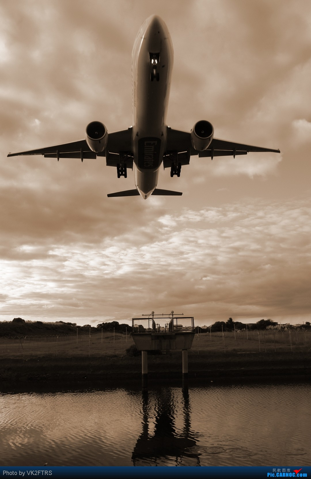 [原创]第一次去拍飞机,在跑道16R外70m的地方。悉尼SYD/YSSY