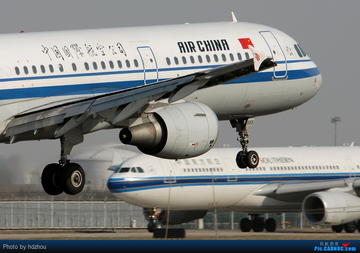Re:[原创][CASG]五一了,发个帖阐述下最近两个月的拍机情况以及爆一个论坛元老级的潜水员! AIRBUS A321-200 B-6555 中国北京首都机场  飞友