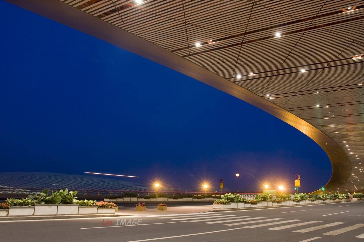 Re:[原创]【BLDDQ】<老林制造>卧听晚风撕春劲,道是无情却有晴    中国北京首都机场