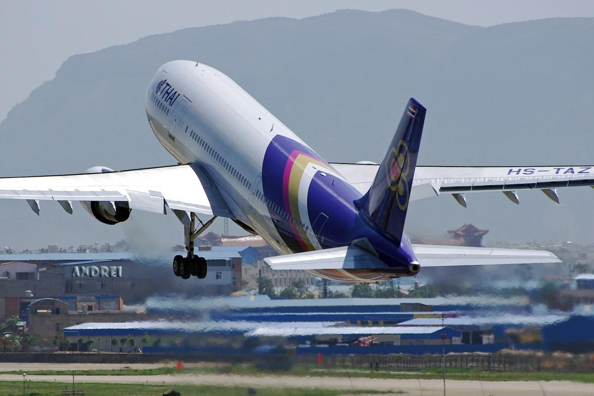 Re:[原创][ANDREI] 时隔近一年,EVA的330又回来了! 附带几张逆光下的大图 AIRBUS A306 HS-TAZ 中国昆明巫家坝机场
