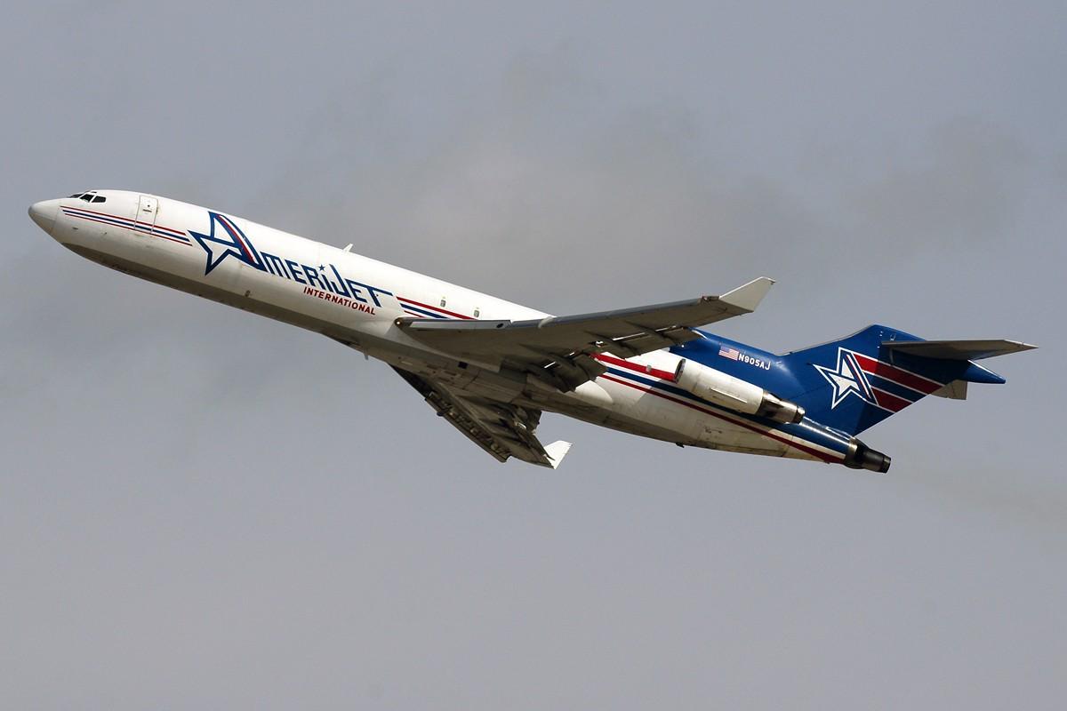 微�y�9b�9�z(j9��yi)�aj_japan给包来了迈阿密 boeing b727-231f/adv n905aj 美国迈阿密机场