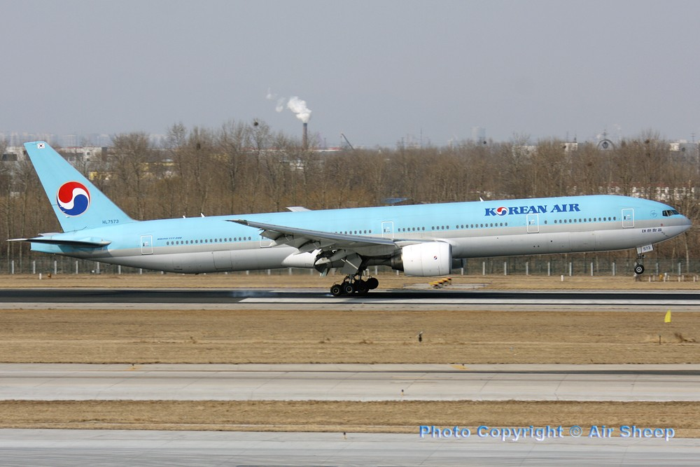 Re:[原创]飘在北京~~ BOEING 777-300  中国北京首都机场