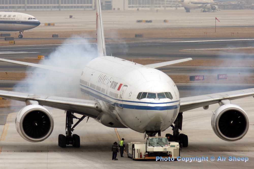 Re:[原创]飘在北京~~ BOEING 777-200 B-2064 中国北京首都机场
