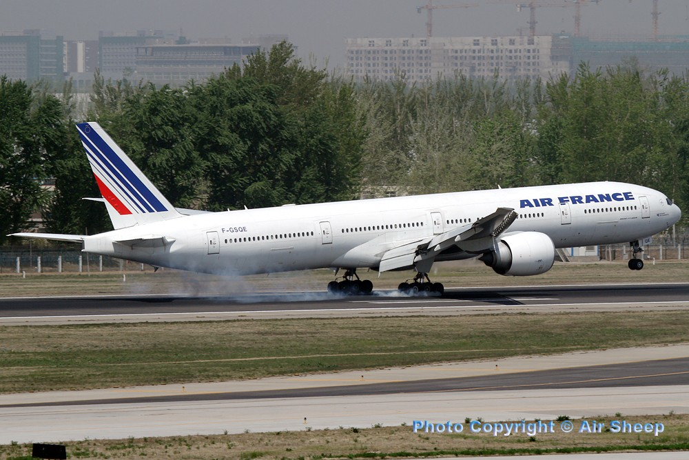 Re:[原创]飘在北京~~ BOEING 777-300 F-GSQE 中国北京首都机场