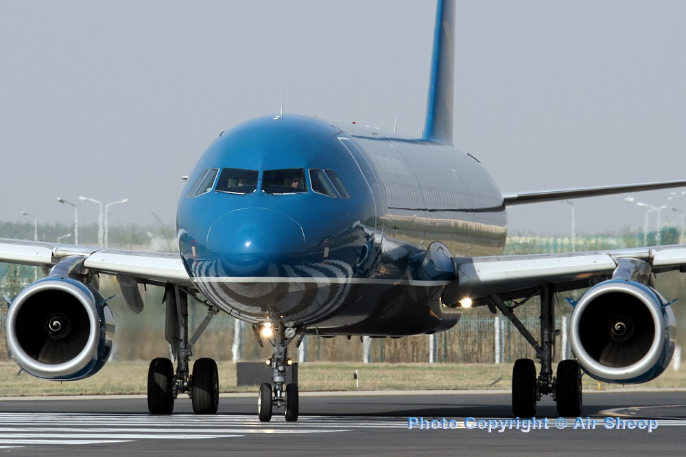 Re:[原创]飘在北京~~ AIRBUS A321-100 VN-A358 中国北京首都机场