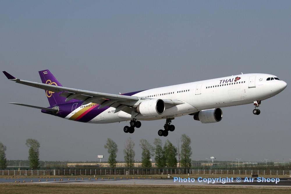 Re:[原创]飘在北京~~ AIRBUS A330-300 HS-TED 中国北京首都机场