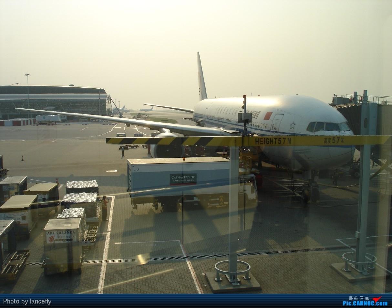 Re:[原创]【深圳飞友会】香港拍机系列三——天气好了,拍飞机就自然淡定了,拍机天堂之777系列篇! BOEING 777-200 B-2067 中国香港赤鱲角国际机场