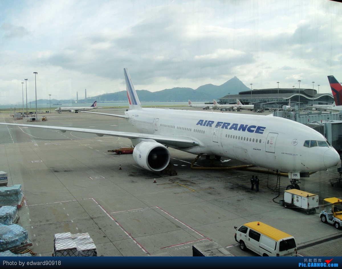 Re:[原创]【SYD&HKG ED】升到777啦...我最喜欢三条7了...发自己拍过的777庆祝庆祝...呼呼呼 BOEING 777-200ER F-GSPM 中国香港赤鱲角国际机场