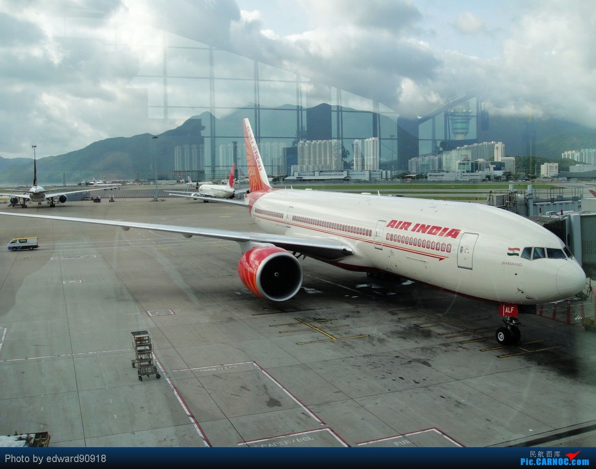 Re:[原创]【SYD&HKG ED】升到777啦...我最喜欢三条7了...发自己拍过的777庆祝庆祝...呼呼呼 BOEING 777-200LR VT-ALF 中国香港赤鱲角国际机场
