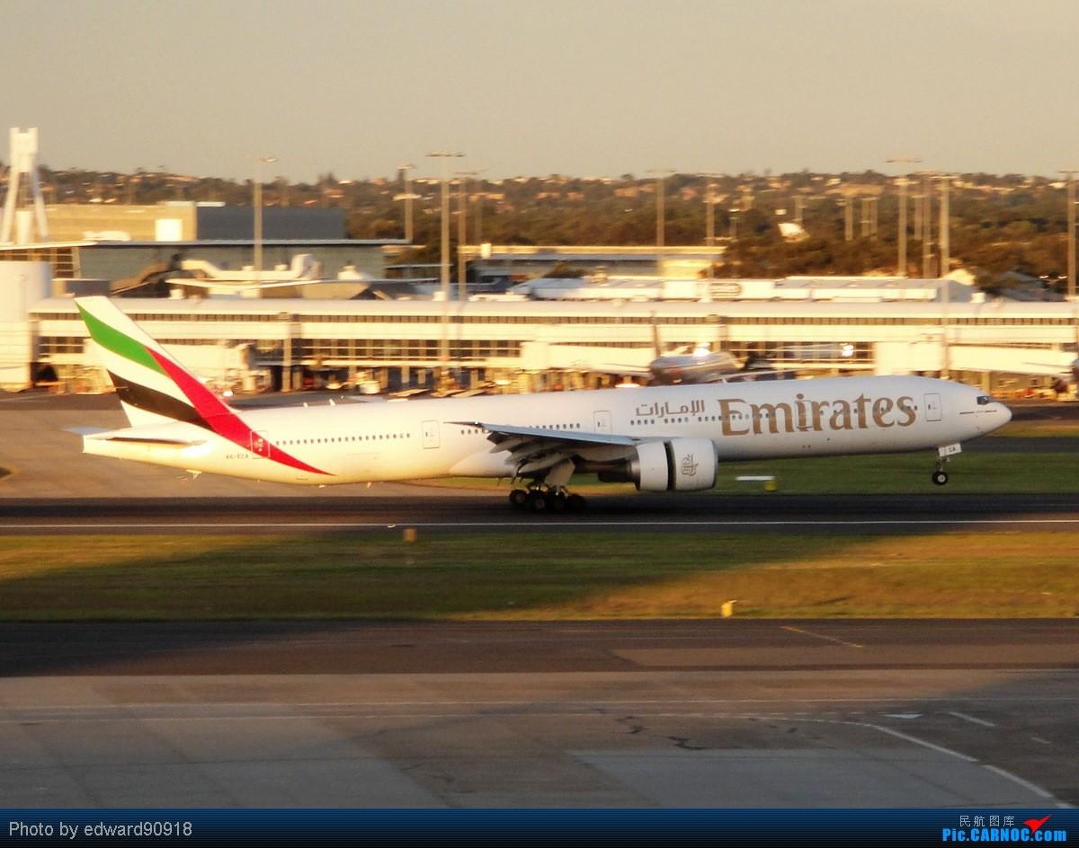 Re:[原创]【SYD&HKG ED】升到777啦...我最喜欢三条7了...发自己拍过的777庆祝庆祝...呼呼呼 BOEING 777-300ER A6-ECA 澳大利亚悉尼金斯福德·史密斯机场