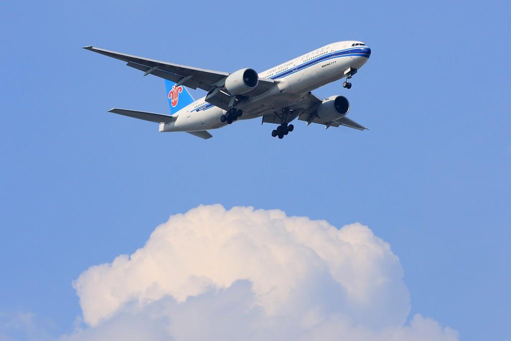 [原创]【深圳飞友会】非常日子,非常天气!拍的是蓝天,白云。飞机是配角!!! BOEING 777-200 B-2053 中国广州白云机场