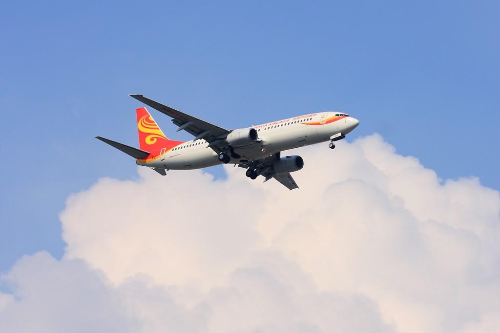 Re:[原创]【深圳飞友会】非常日子,非常天气!拍的是蓝天,白云。飞机是配角!!! BOEING 737-800 B-5081 中国广州白云机场