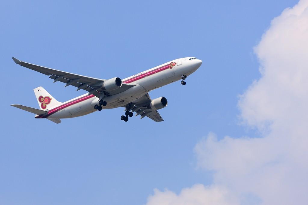 Re:[原创]【深圳飞友会】非常日子,非常天气!拍的是蓝天,白云。飞机是配角!!! AIRBUS A330 HS-TEA 中国广州白云机场