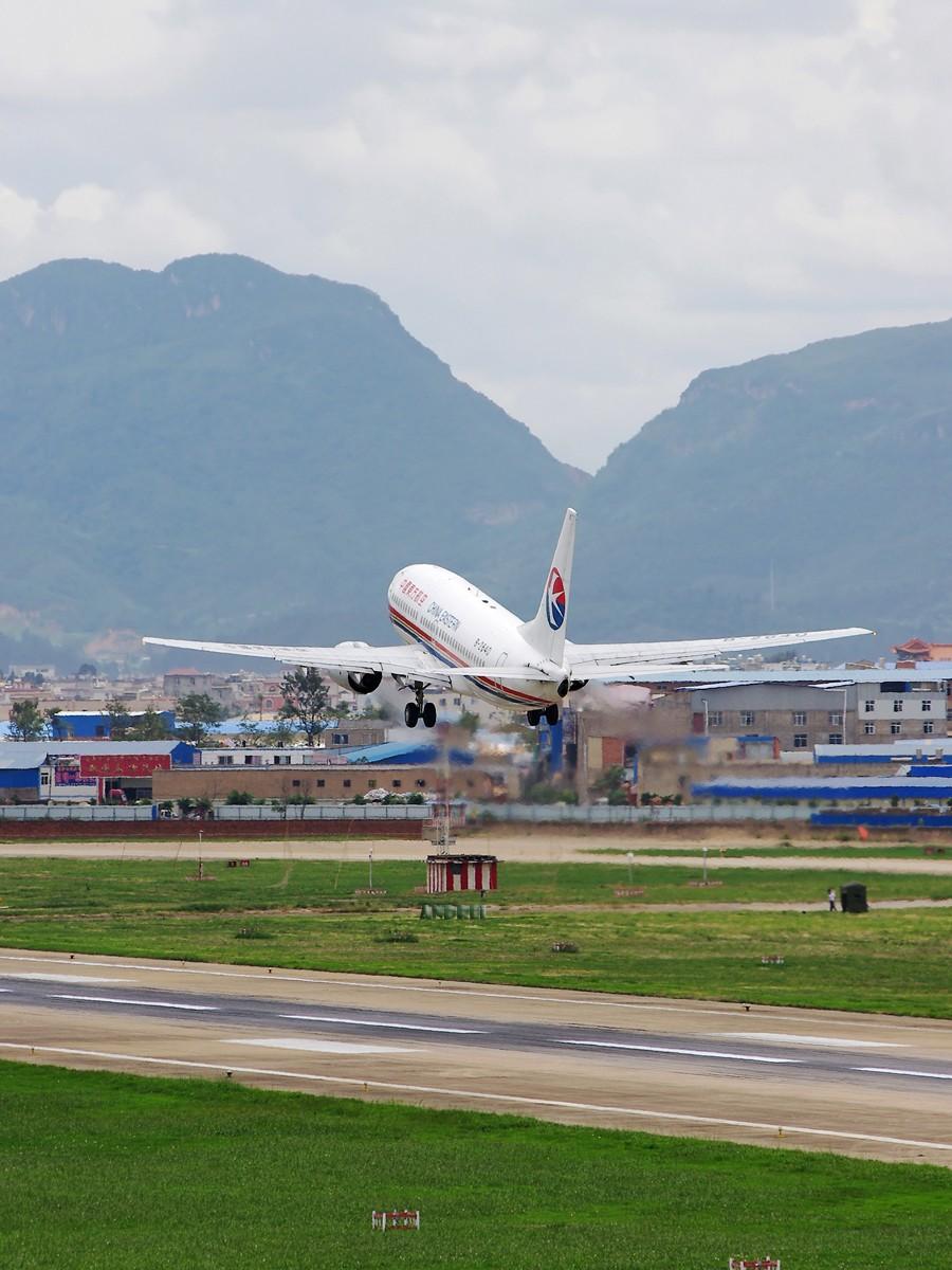 Re:[原创][Andrei]KMG盛夏的换气帖——没有太多的新鲜货,只为不让ID尘封 BOEING 737-700 B-2640 中国昆明巫家坝机场
