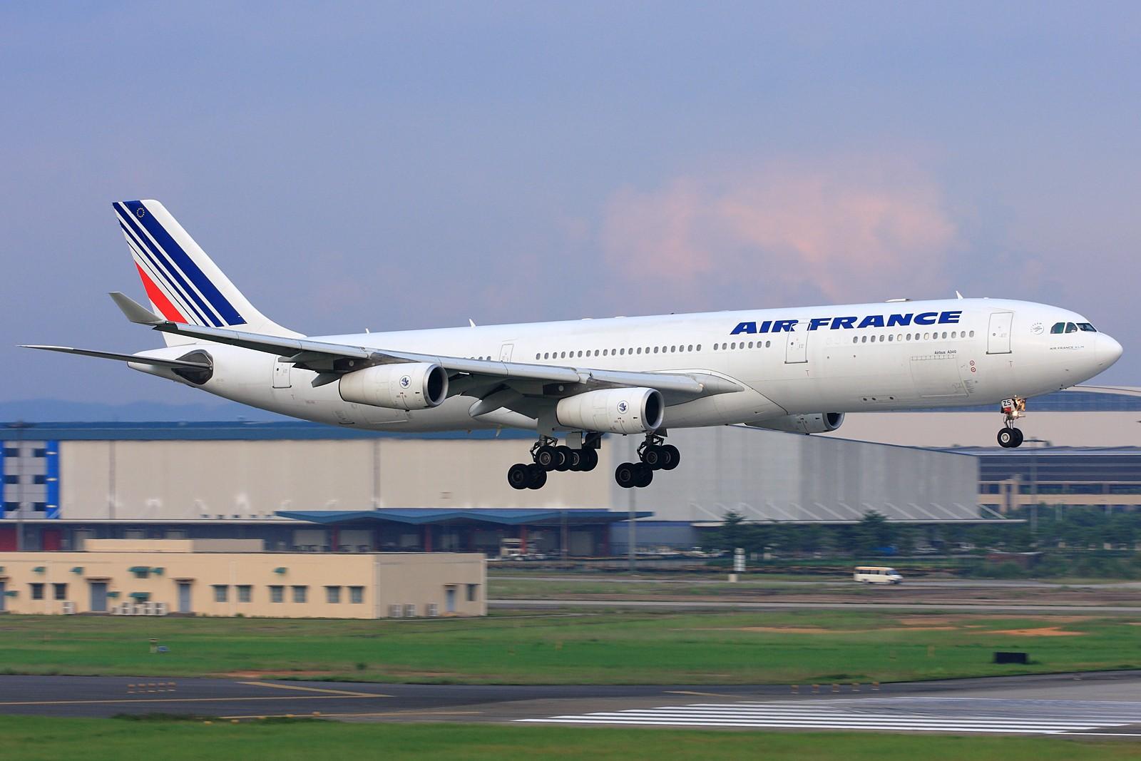 [原创]【深圳飞友会】法国航空公司A340-300旧图装远道而来广州为我们表演擦烟!!! AIRBUS A340-300 F-GLZS 中国广州白云机场