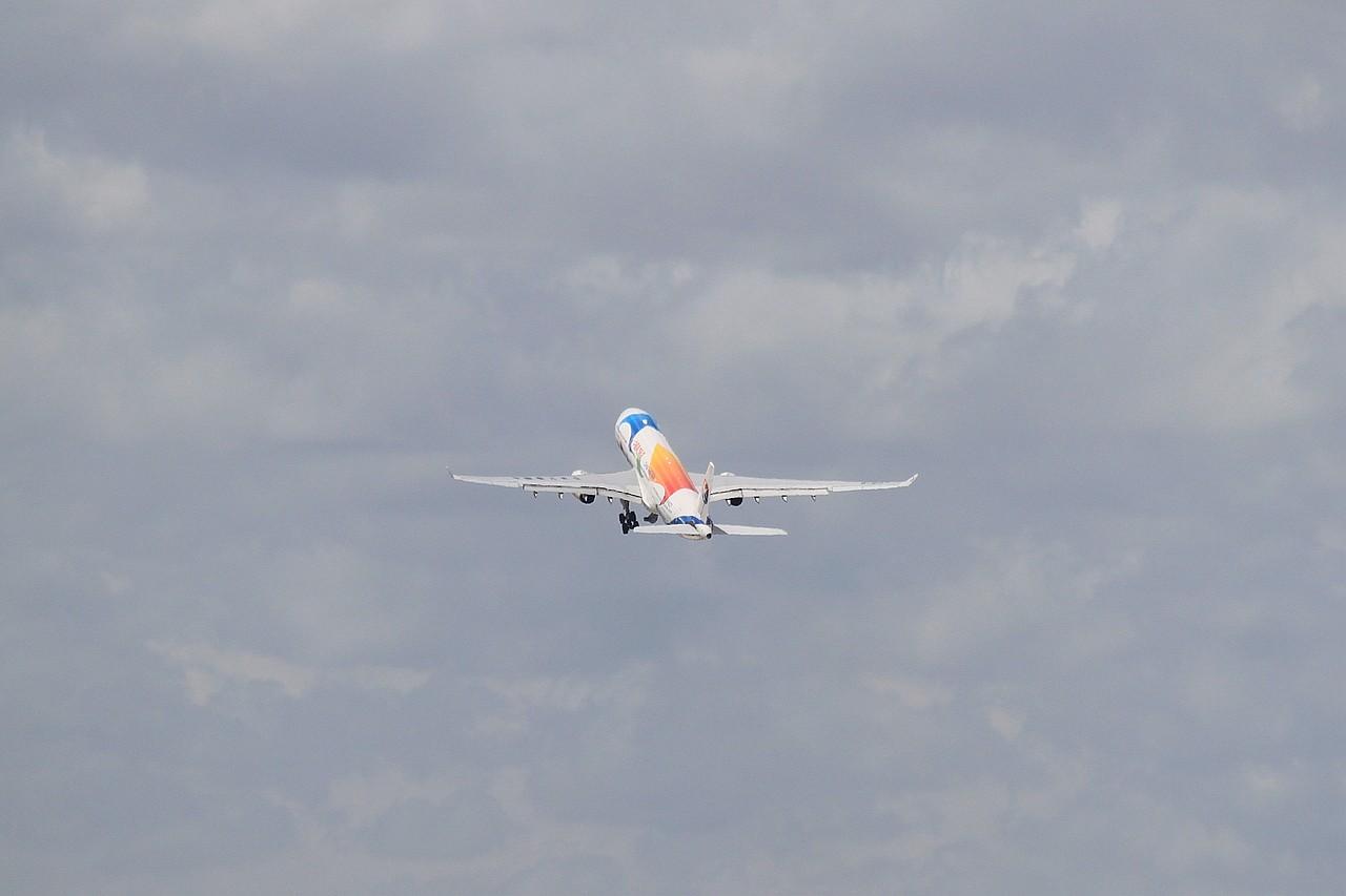 Re:[原创][NKG]********初次来SHA,拍齐MU世博333系列******** AIRBUS A330-300 B-6127 中国上海虹桥机场