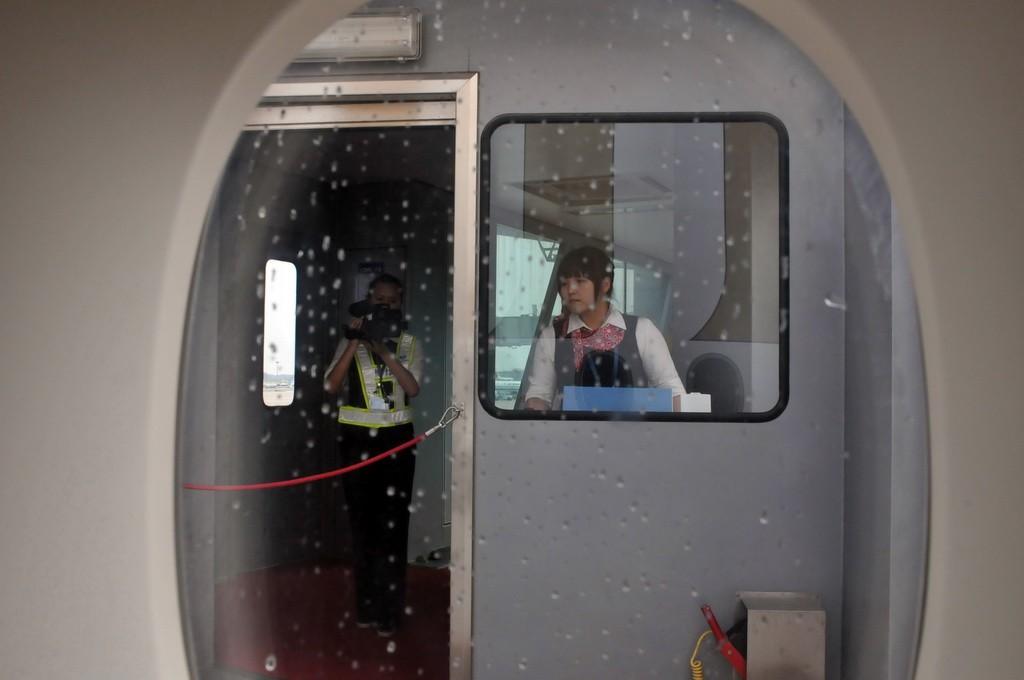Re:[原创]PEK游记(28):2010年8月1日 EK306 迪拜-北京 阿联酋航空A380首航中国全记录!    中国北京首都机场
