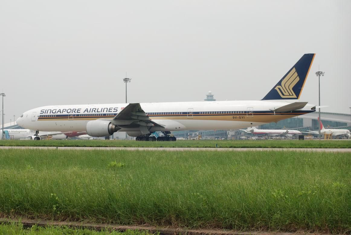 Re:[深圳飞友会]八八是个好日子。看!是新加坡773大星星!又是CAN首发!标题要长! BOEING 777-300 9V-SYI 中国广州白云机场