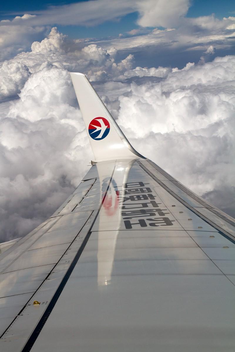 Re:[原创]【BLDDQ】******迪庆----昆明,高原机场香格里拉感觉不错****** BOEING 737-700 B-5242