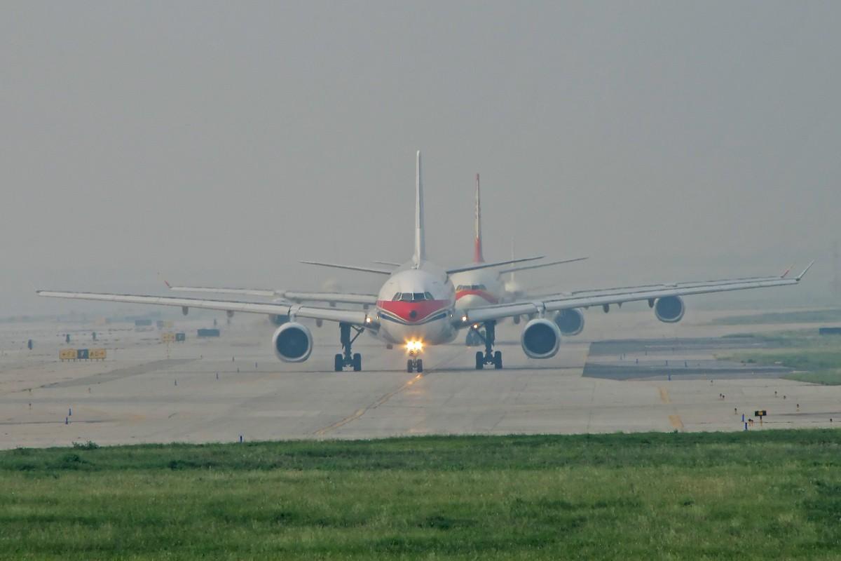 Re:[原创]八卦台拍机 主打国航    中国北京首都机场