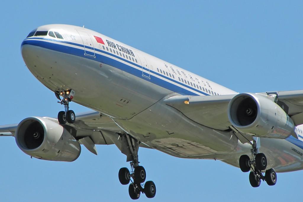 [原创]国庆假期之前最后一贴。有大头,有双飞,有夕阳!争取能多骗点小飞机,换点钱,买张回家的机票!标题要长... AIRBUS A330-200 B-6505 中国北京首都机场