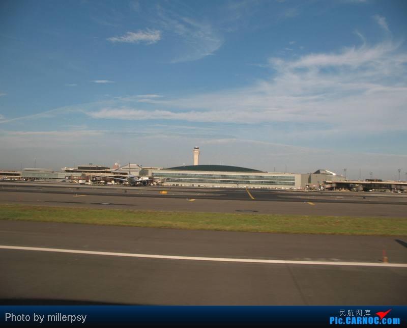 Re:[原创]大陆航空纽瓦克-波特兰之行    美国纽瓦克机场