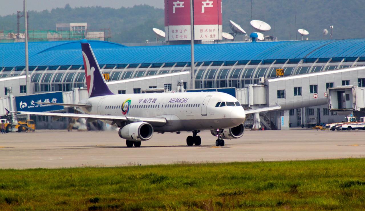 >>[原创]桂林两江国际机场拍机(新人加入)图片