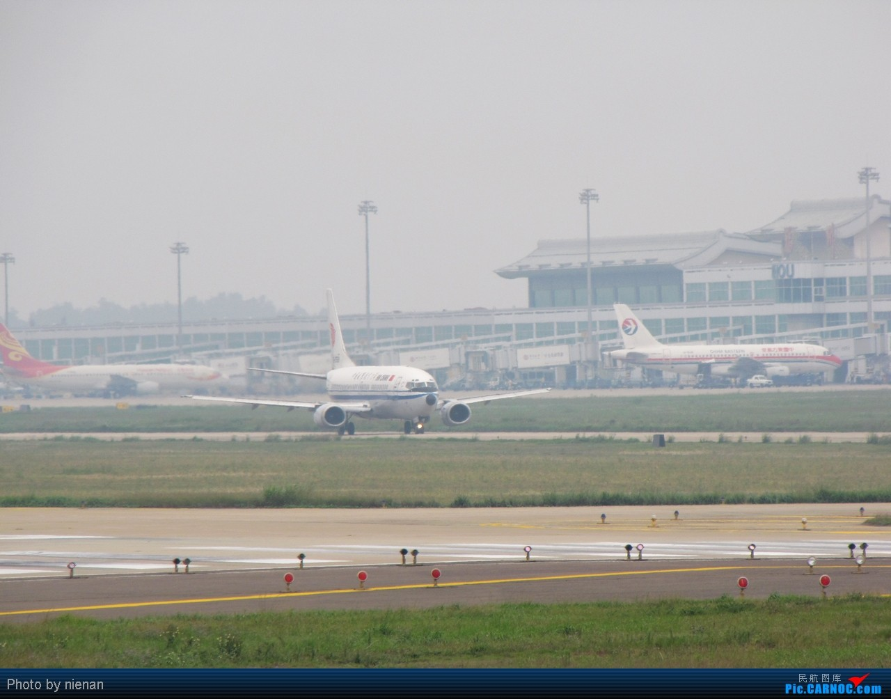 Re:[原创]03头……好久不见! BOEING 737-300 B-2598 中国福州长乐机场